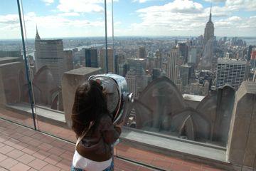 Empire State Buildingは見えるかな? お金入れてないので見えません